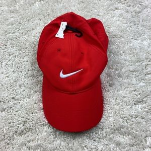 NWT red Nike unisex golf hat